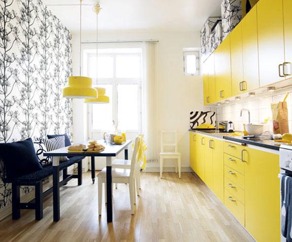 Base de alvenaria para os armários da cozinha - detalhe quase imperceptível, mas que faz toda a diferença!