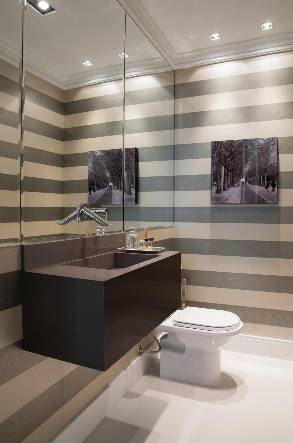 banheiro pequeno nichos e acabamentos claros Car Tuning -> Acabamentos Banheiro Pequeno