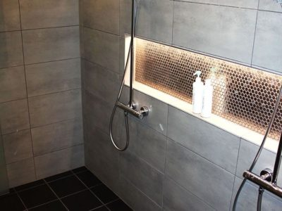 Nicho iluminado para banheiro